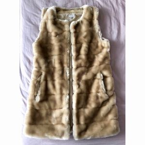 Tobi Tan Faux Fur Vest